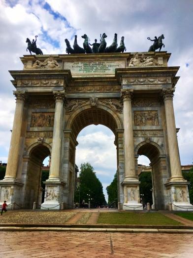 Milan arch